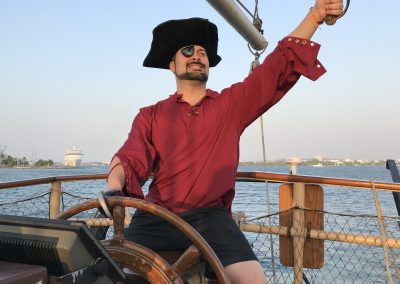 Pirate Boat Tour Cartagena La Fantastica Red